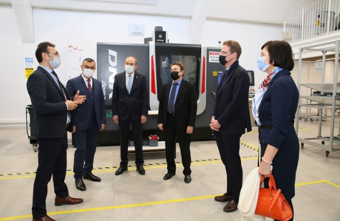 AB Türkiye Delegasyonu Başkanı Büyükelçi Landrut'tan Kayseri Model Fabrika'ya Ziyaret