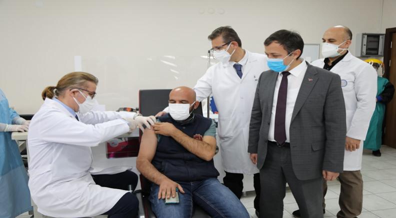 ERÜ'de Covid-19'a Karşı Geliştirilen Aşı Adayının  Faz-2 Kapsamında 2. Dozu Son Gönüllülere Uygulanarak Sona Erecek
